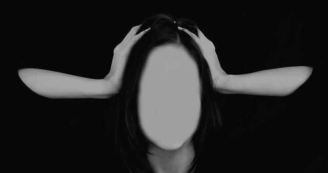 žena bez tváře