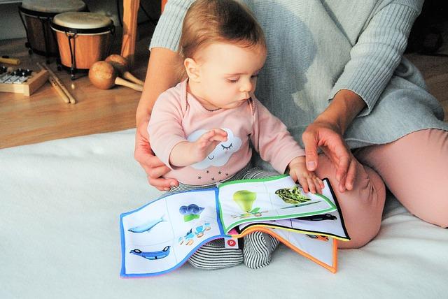 čtení s mimčem