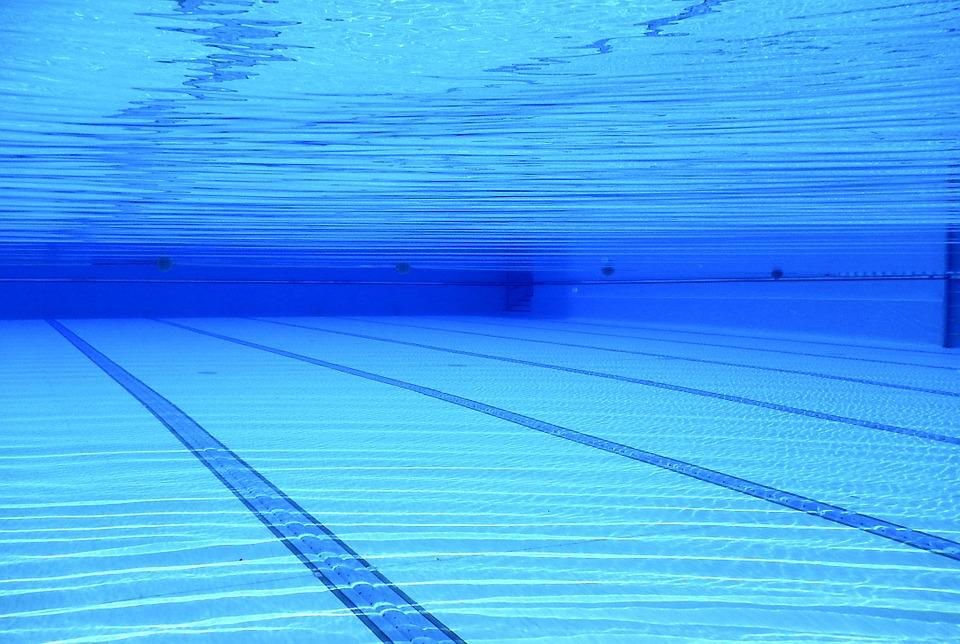 plavecký bazén)