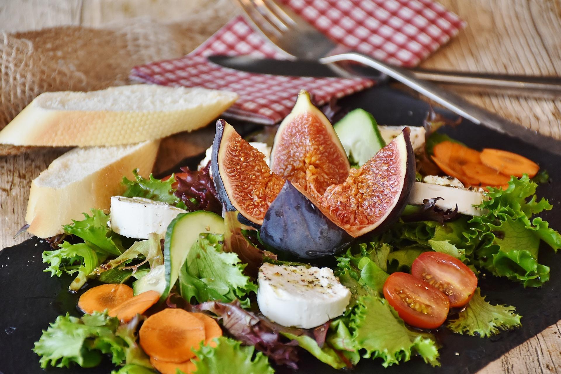 salát s fíkem